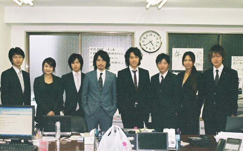 2007年創業当時の集合写真 (写真提供:高橋 飛翔)